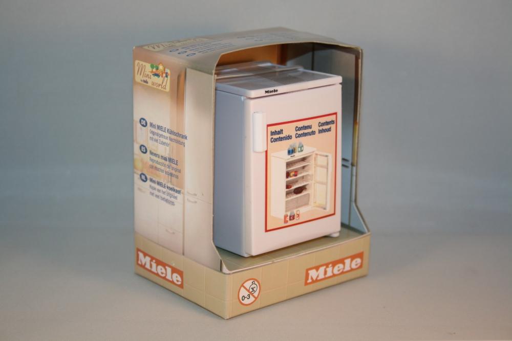 puppenstube miniatur miele k hlschrank mit zubeh r ebay. Black Bedroom Furniture Sets. Home Design Ideas